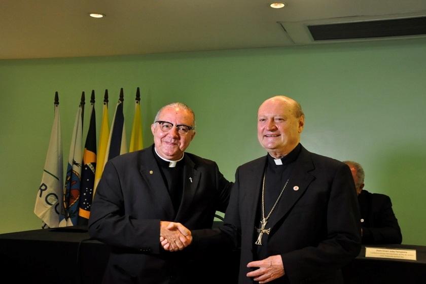 Reitor da PUC-Rio, padre Josafá Carlos de Siqueira, SJ, recepcionou o cardeal italiano Gianfranco Ravasi, presidente do Pontifício Conselho para a Cultura do Vaticano
