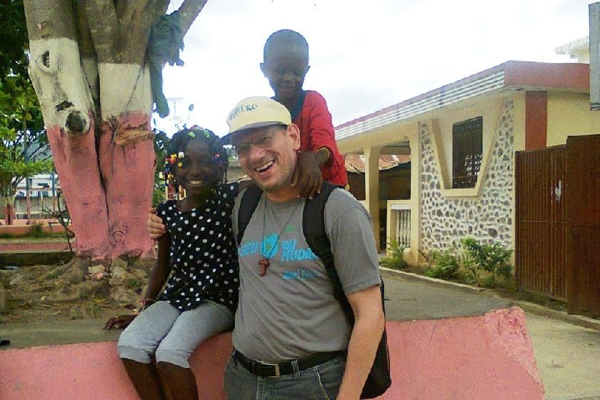 10.05.2016-padre-rogerio-haiti 4A