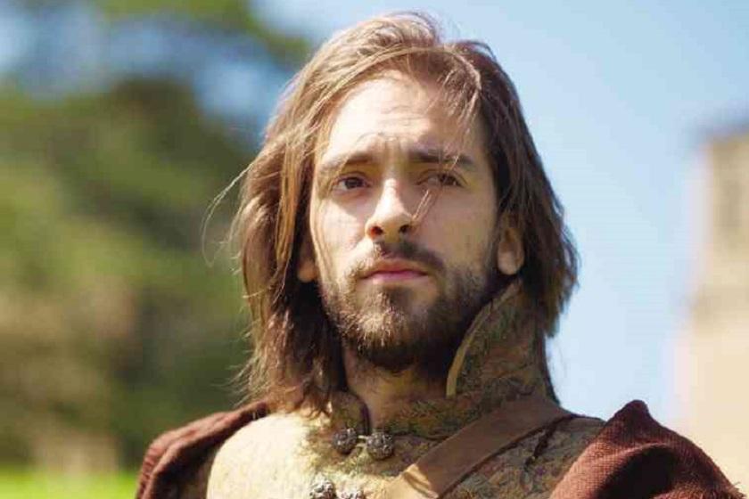 O ator espanhol Andreas Munoz interpreta Inácio de Loyola na produção filipina