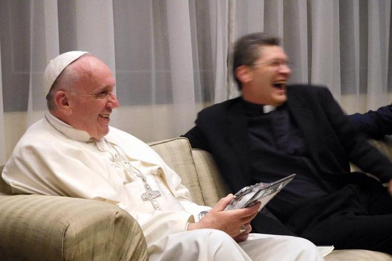 27.07.2016-papa-curia-jesuitas-2